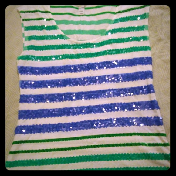 Old Navy Tops - NWOT Old Navy Sleeveless Sequined Top